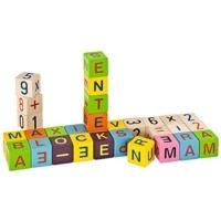 bunte Holzbausteine mit Buchstaben